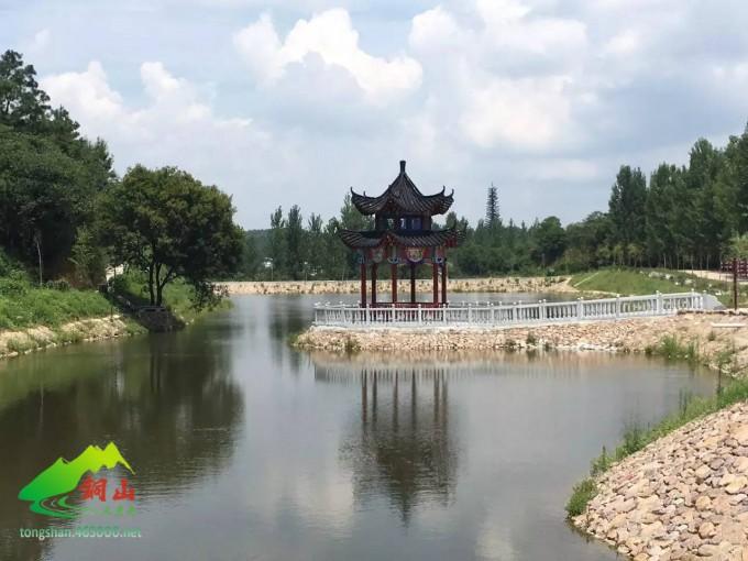 泌阳铜山风景区人工湖