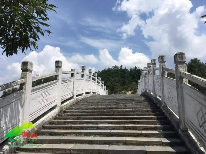 泌阳铜山风景区拱桥